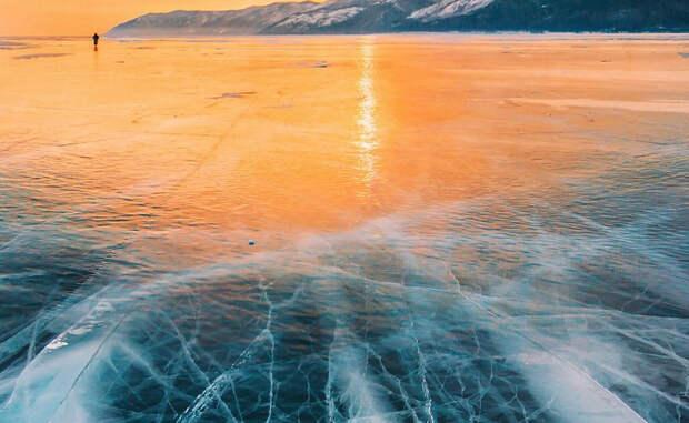 Фантастическая красота замерзшего Байкала