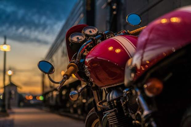 Мотоциклист пострадал при столкновении с иномаркой на Амундсена