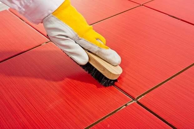 Чистим швы между плитками: 5 рабочих методов