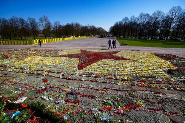 Оппозиция в Латвии заявила о нарушении прав человека в День Победы в Риге