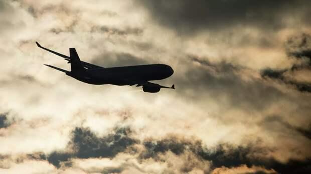 Самолёт вынужденно вернулся в аэропорт Оренбурга из-за технической неисправности