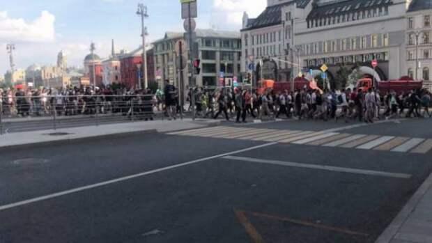 Западные СМИ отреагировали на митинг в Москве лживо и мерзко