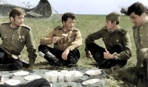 Опрос: «В бой идут одни старики» назван самым любимым фильмом о войне
