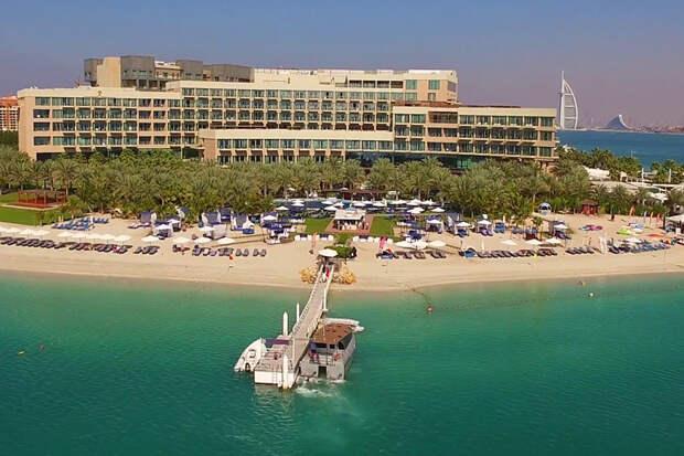 Дорогой отель заливает нечистотами популярный у россиян пляж в Дубае