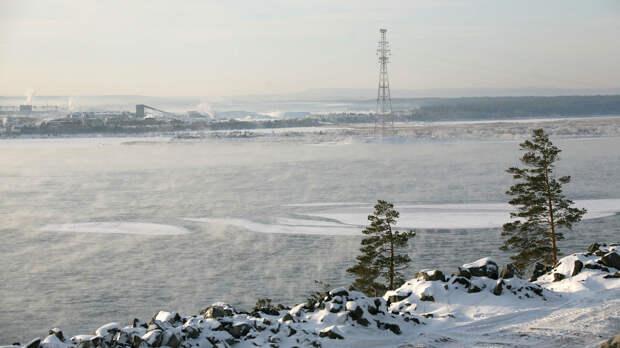 В Иркутской области уровень воды в Ангаре почти достиг критической отметки