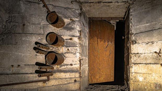 Загадка железной горы. Отыскал заброшенный бункер в горе на Урале — байки военных не врали
