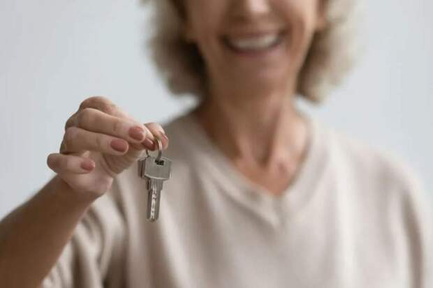 Ключи от квартиры – это не подарок свадьбу сына?