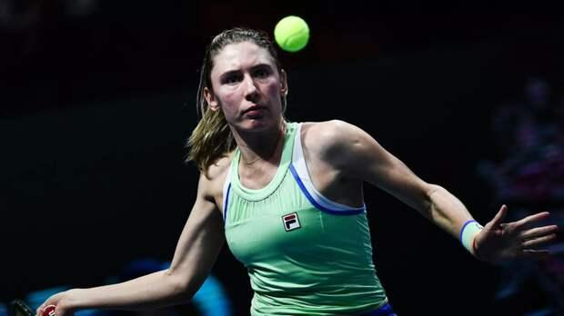 Александрова уступила Азаренко в первом круге турнира WTA в Мадриде