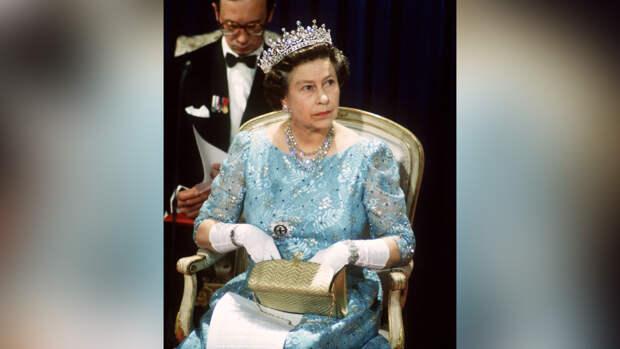 Принц Уильям заручился поддержкой Елизаветы II в конфликте с Гарри