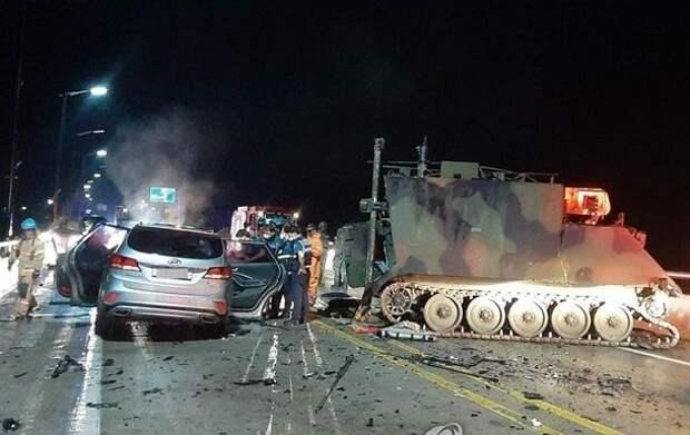 В Южной Корее броневик США въехал в авто, есть жертвы