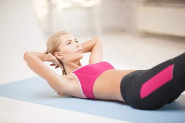 5 лучших упражнений на пресс для девушек