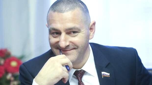 Депутат Госдумы осудил TikTok за блокировку видео о геях