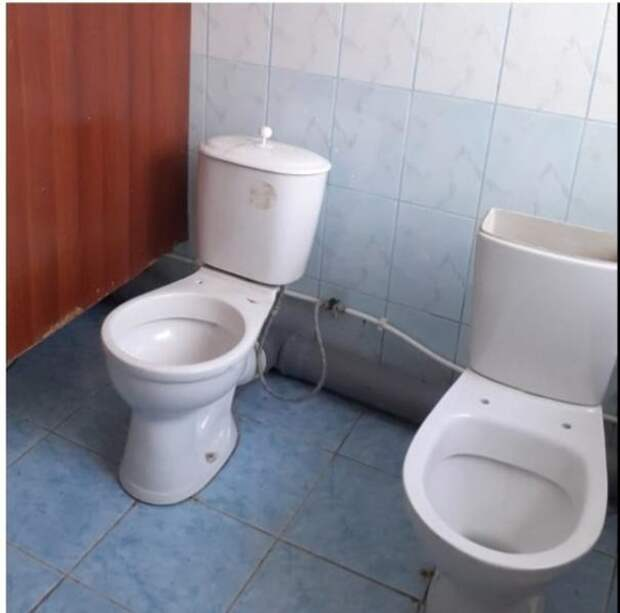 Два самых убогих школьных туалета в России находятся в Новосибирской области
