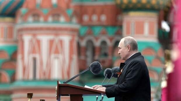 Хазин объяснил смысл скрытого послания Путина Западу в речи на параде Победы