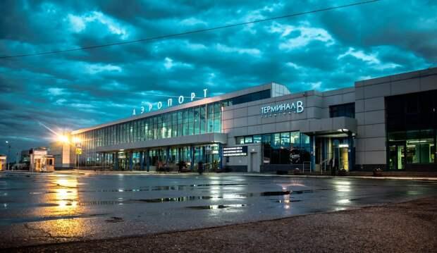 Какое отношение к покушению на Навального имеют сообщения о заминированном аэропорте