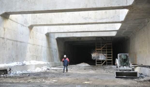 Началась установка металлоизоляции на одном из направлений тоннеля под Киевским шоссе