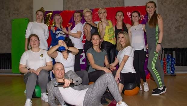 Девушки‑ведущие и фитнес‑тренеры сразились в «Woman Олимпиаде» в Подольске