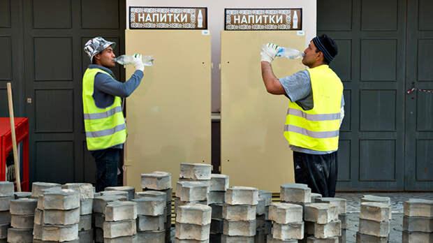 """""""Амнистию"""" миллионам нелегалов в России продлили. А дальше как?"""