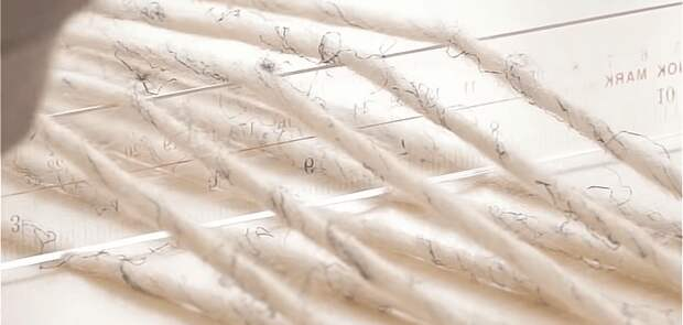 Ручка, линейка и пряжа: необычная техника для создания красивых вещей