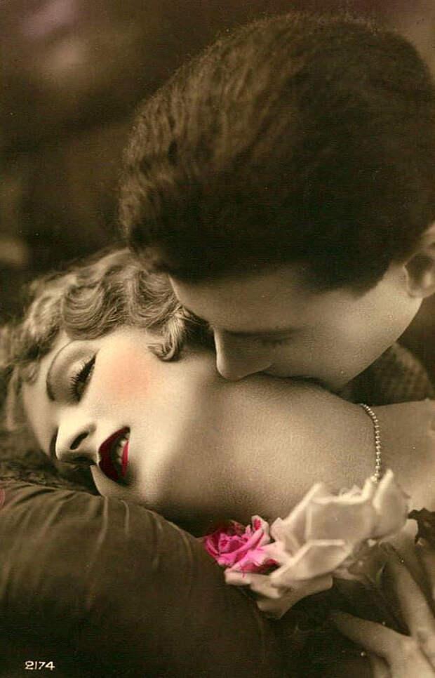 Французские открытки, в которых показано, как романтично целовались в 1920-е годы 50
