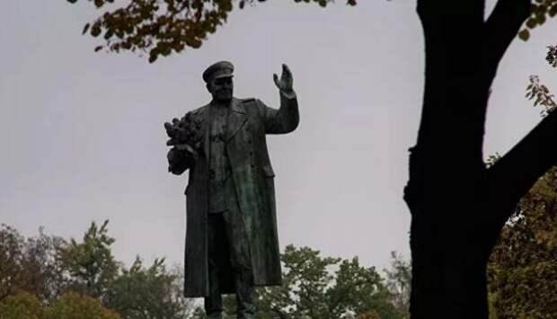 В Праге хотят Конева заменить на Власова