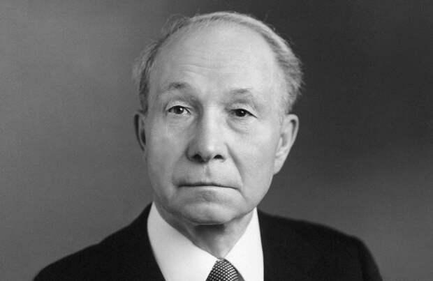 «Неизвестный вождь»: как Василий Кузнецов 3 раза руководил СССР