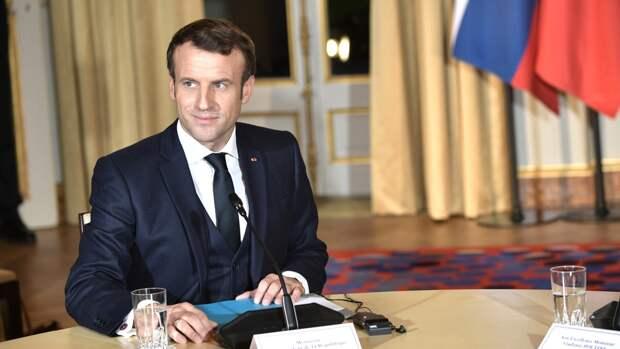 Президент Франции поддержал идею саммита Путина и Байдена