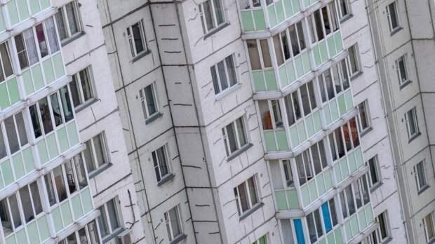 Четырехлетний ребенок выжил после падения из окна в Кировске