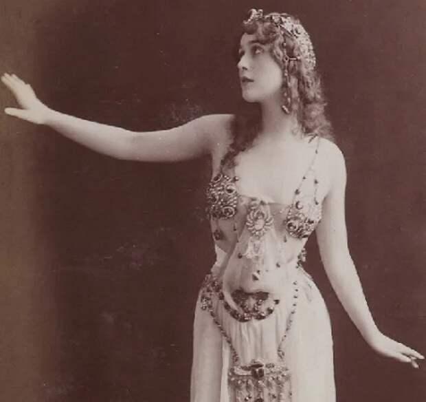 Двенадцать оперных красавиц
