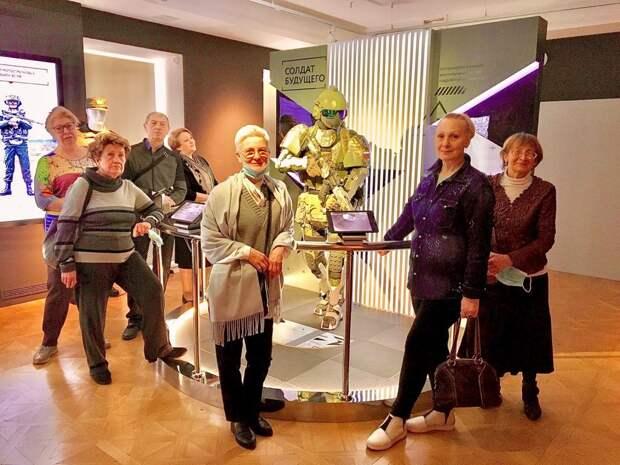 Пенсионеры из Савеловского посетили музей военной формы