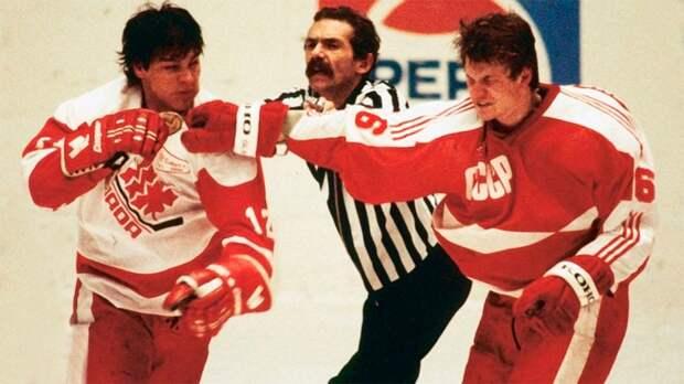 Самая жуткая драка в истории. СССР и Канада бились «стенка на стенку», на арене тушили свет, судьи сбежали со льда