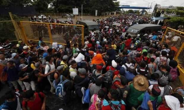Fox News: политика Байдена вызвала гуманитарный кризис на границе США