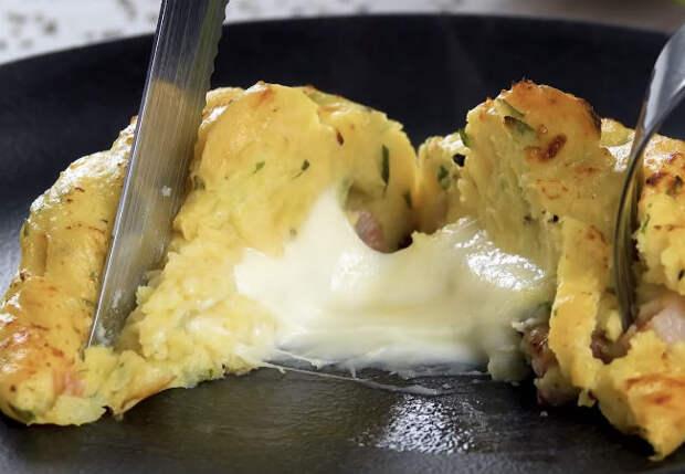 Берем горячую картошку и очень быстро делаем сразу 3 блюда