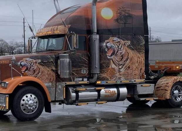 Аэрография тигр на грузовике