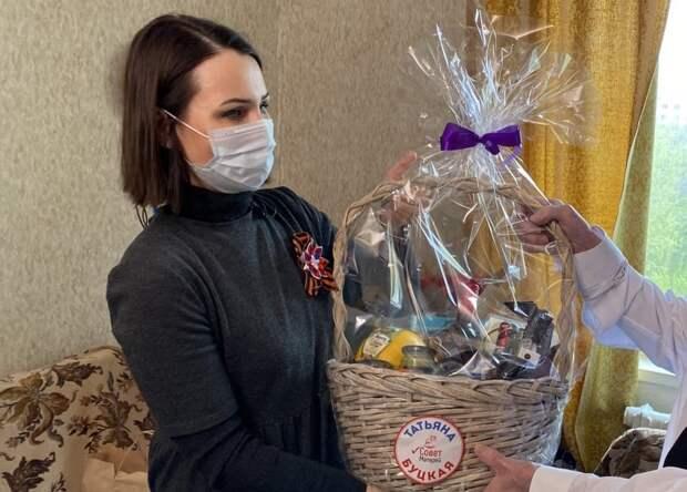 Лидер «Совета матерей» Татьяна Буцкая лично поздравила героя Великой Отечественной войны