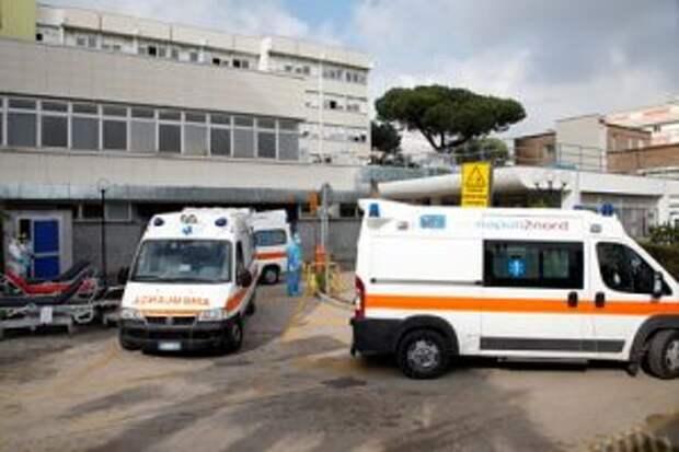Число погибших при крушении фуникулера в Италии выросло до 12