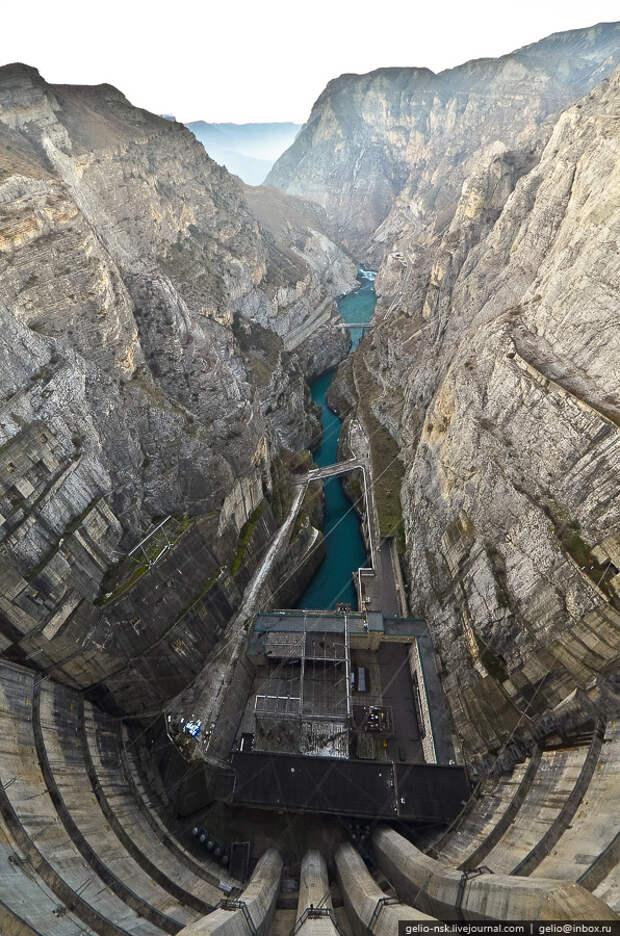 Волжская ГЭС и Чиркейская ГЭС через объектив Степанова Славы