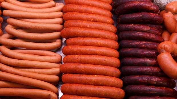 Российские производители колбас предупредили о росте цен на продукцию до 20%