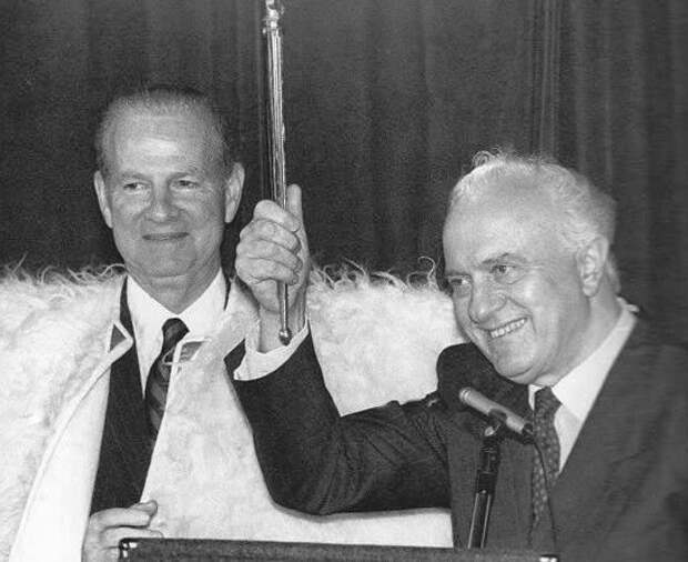 Как Шеварднадзе в 1990 году продал США советские территории