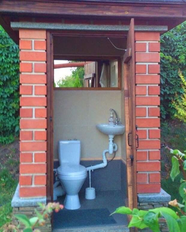 Туалет на улице — это ужасно? Не в этих случаях!