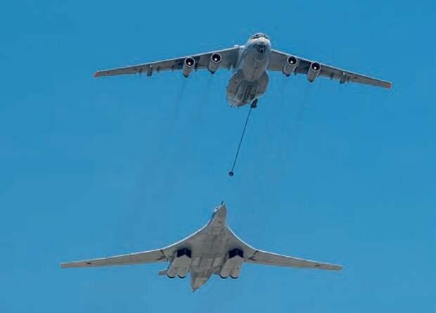 самолет-заправщик, самолет ил-78м, дозаправка ту-160