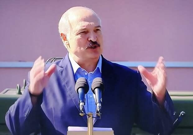 Лукашенко заявил, что Белоруссию не ждут ни в НАТО, ни в ЕС