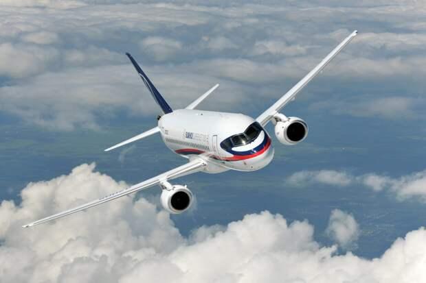 Без покровителей и потребителей: куда летит региональный самолет Sukhoi Superjet 100