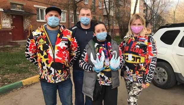 Квадроциклисты Подольска привезли продукты пожилым жителям на самоизоляции