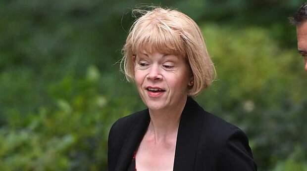 Впервые после Скрипалей: британский министр сорвалась в Россию