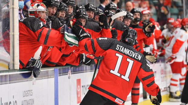 Канада обошла Россию почислу золотых медалей ЮЧМ