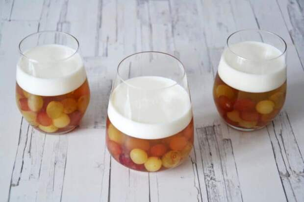 Виноград с йогуртовым желе