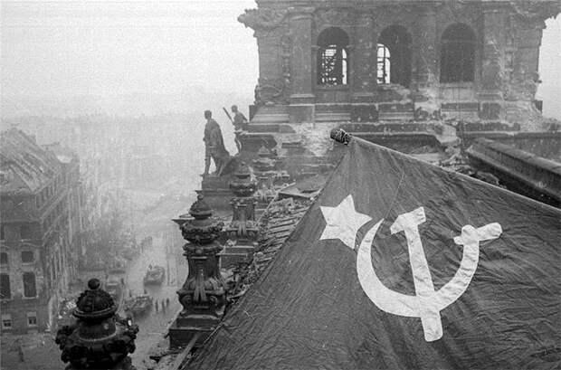 """«Нейтральный флаг»: """"Спасибо деду за нейтралитет, А вермахту - за рост в продажах сыра"""""""