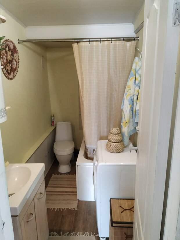 Кладовка превращается, превращается кладовка... Как мы сохранили спальню и получили ванную комнату.