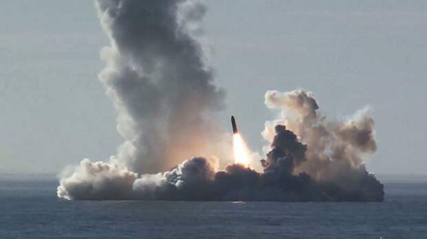 Российские подлодки провели пуски баллистических ракет «Булава» и «Синева»